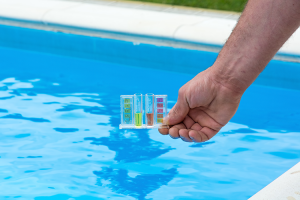 How to Make Swimming Pool Water (Reasonably) Safe to Drink in an ...